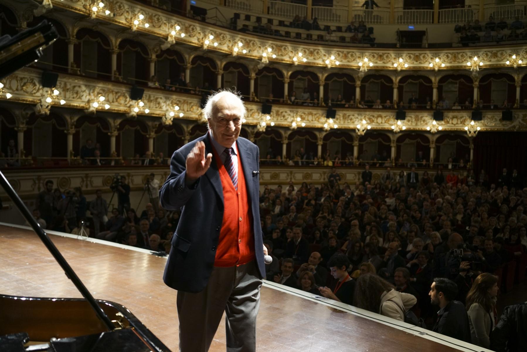 Giuliano Montaldo on the stage